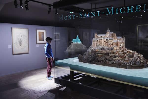 هولوگرام سه بعدی در گالری های هنری و موزه ها